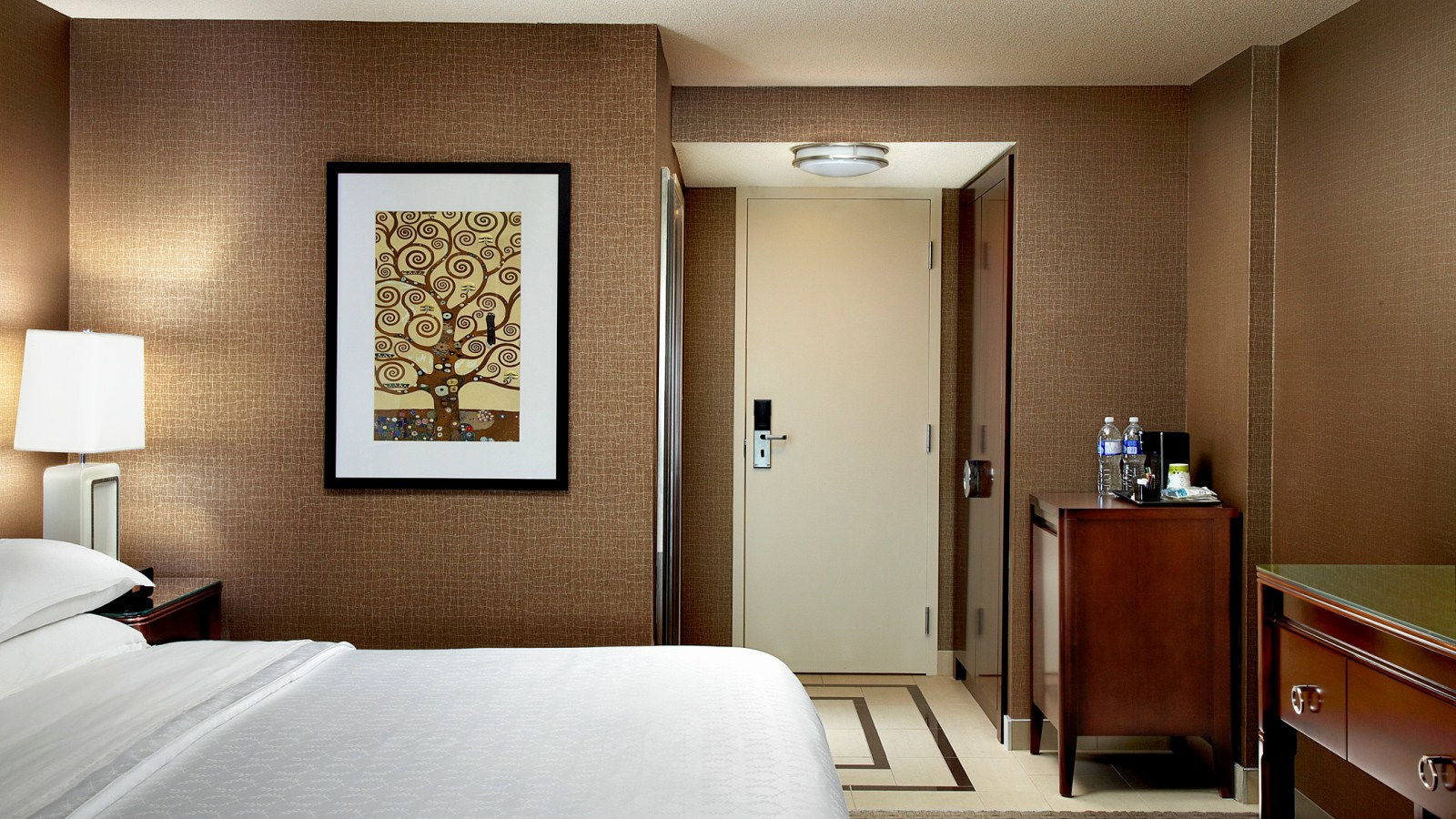 Calgary Shopping Package - Traditional Guestroom