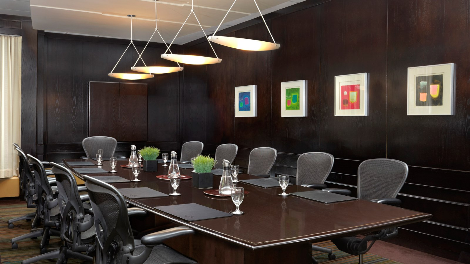 Simplify Your Meetings | Sheraton Cavalier Calgary Hotel