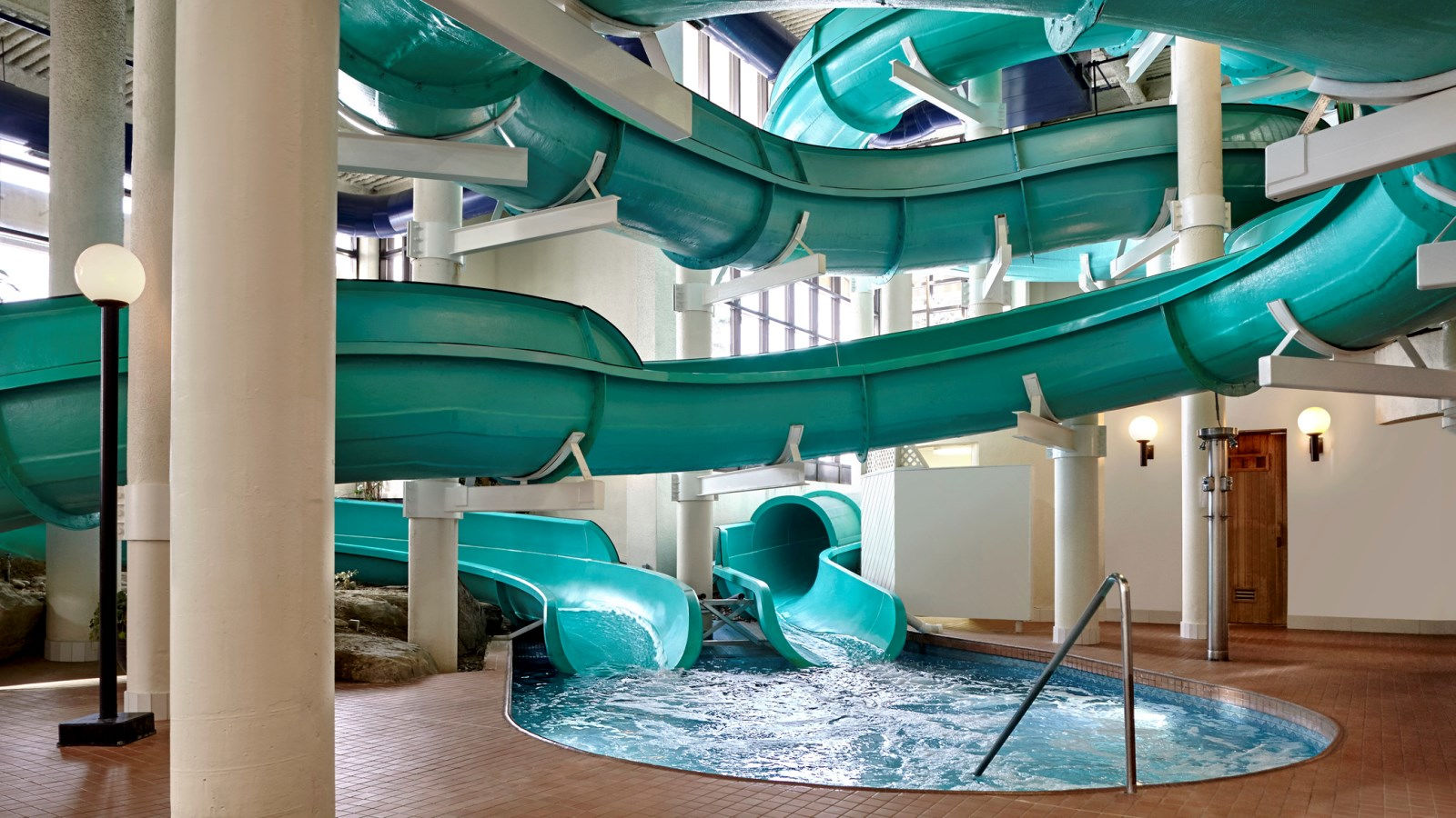 Calgary Family Hotels - Oasis River Country Water Park at Sheraton Cavalier Calgary Hotel