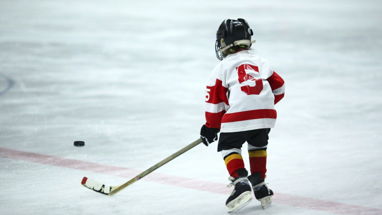 Calgary Sports Team Hotel - Kids Hockey